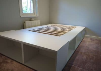 flat pack bed assembly